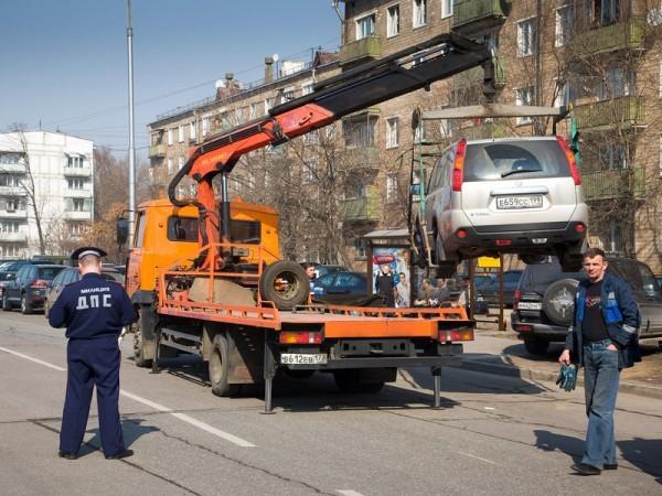 chto-delat-esli-vash-avtomobil-zabral-evakuator