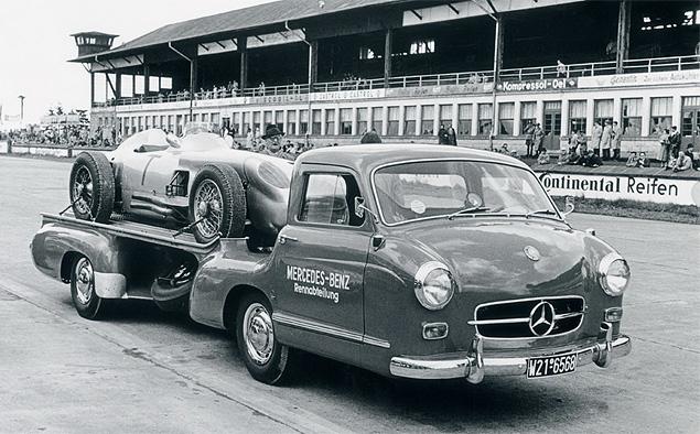 evakuator-Mercedes-Benz-Rennwagen-Schnelltransporter-2