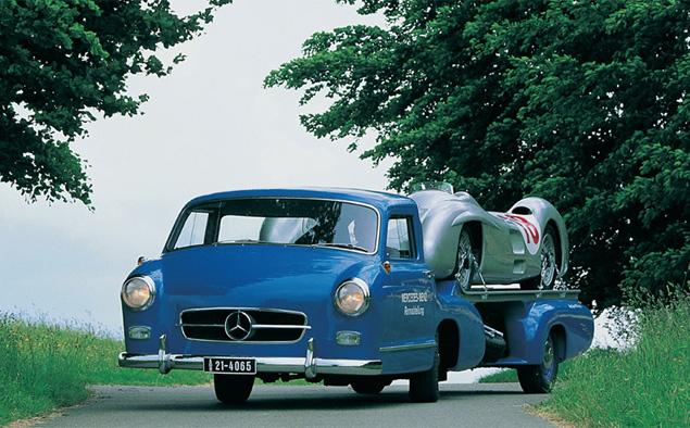 evakuator-Mercedes-Benz-Rennwagen-Schnelltransporter-6